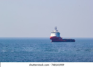 SATTAHIP, CHONBURI, THAILAND -OCTOBER 19,2017 : Ship for the maritime industry floating on the sea of thailand