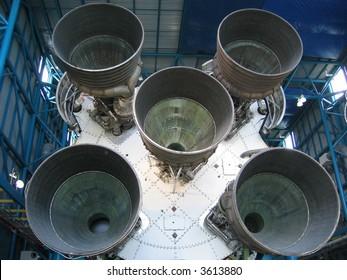 Saturn 5
