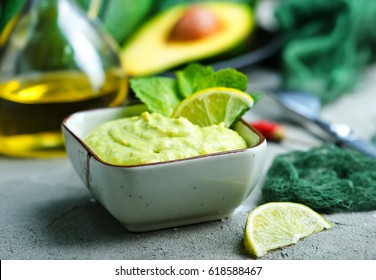 sauce from avocado