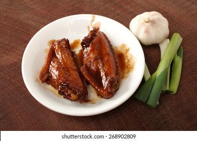 Sauce chicken wings