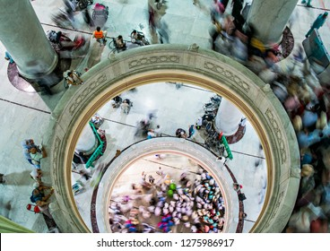 Saudi Arabia, MECCA : Muslim pilgrims perform saei (brisk walking) from Safa mount to Marwah mount during hajj and umra in masjidil haram area (08/2018).