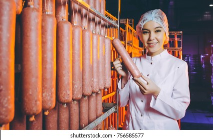 sausage meat factory production worker