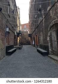 Savannah Georgia Historic Alleyway