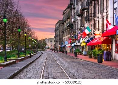 Savannah, Georgia, USA bars and restaurants on River Street.