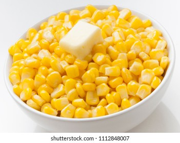 Savor dish of hot corn with butter