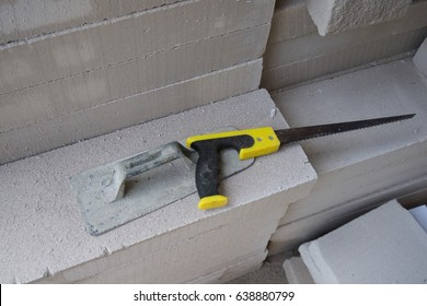 Saw And Plaster For Cutting And Forming Lightweight Cellular Concrete Block