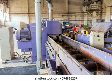 Sawmill. The process of cutting logs into boards. Automatic line sawing