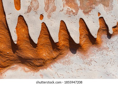 Sawtooth pattern in weathered sandstone