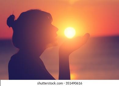 Saying hello/goodbye to the Sun.