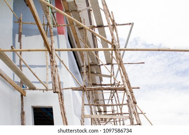 Painting scaffold worker images stock photos vectors - Exterior scaffolding rental near me ...