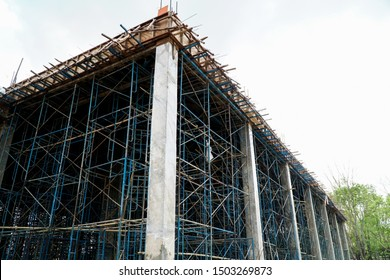 Scaffolding supporting the building structure