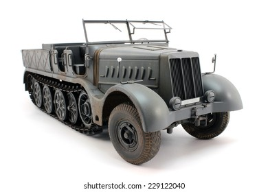 A scale model of the German 18-ton half-track view 3/4
