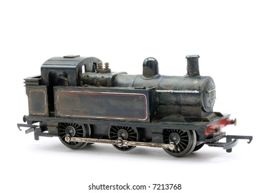 Scale model of typical english steam tanker engine