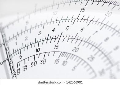 Scale voltmeter