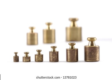 Scale weights in a row from small to large with selective focus