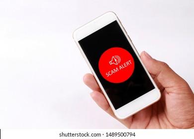 Scanner Alert-Konzept auf Smartphone-Bildschirm