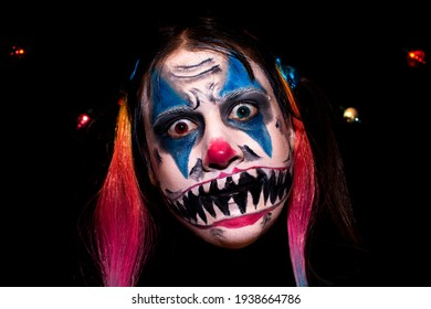 Scary Clown Girl Makeup for Halloween