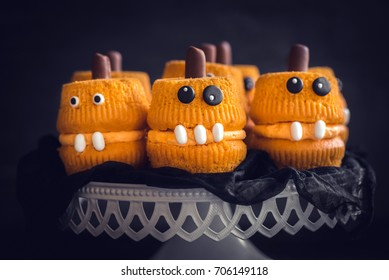 Scary cup cakes served,halloween decoration