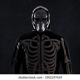 scary man in skeleton mask