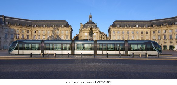 The scene shows the tram stopped at the place de la bourse in the city center of Bordeaux (France)