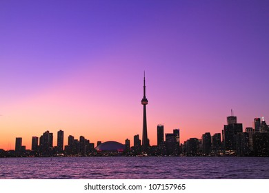 Scene of Toronto skyline from Central Island