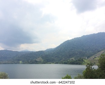 The scenery of the lake