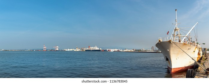 Scenery of the seaport