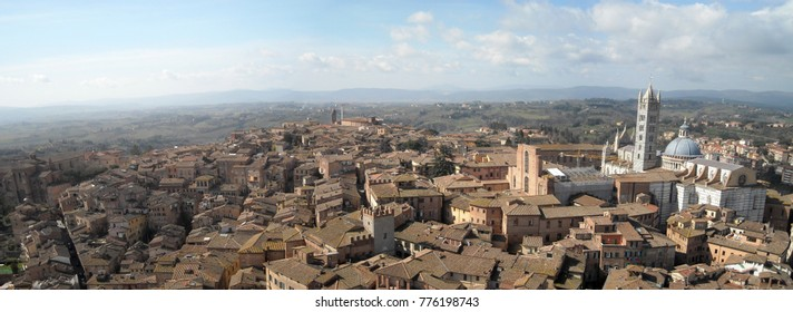 Scenery of Siena, a beautiful medieval town in Tuscany, with view of the Dome & Bell Tower of Siena Cathedral (Duomo di Siena)