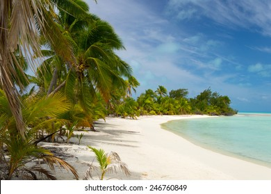 The scenic desert beach of the little Ee Island in the Aitutaki atoll, Cook Islands, South Pacific.