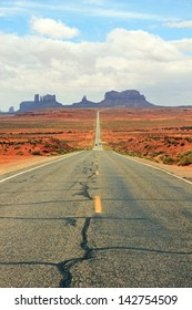 Scenic highway 163 leading into Monument Valley near the Utah, Arizona border, USA.