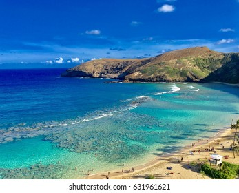 Scenic point, ocean view with big reef at Hanauma Bay in Honolulu Hawaii USA.