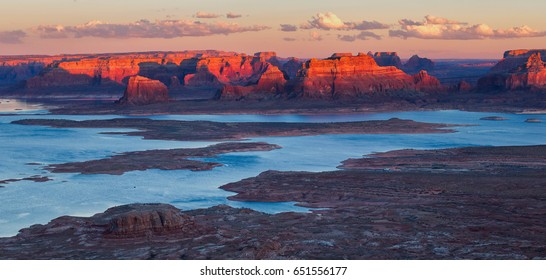 Scenic view of Alstrom point, Lake Powell, Page, Arizona, united states