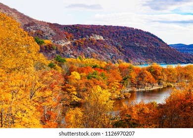 Scenic view of Bear Mountains in the Fall