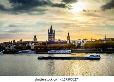 Scenic view of beautiful sunset in the evening time over the river, water,ship,église,Köln