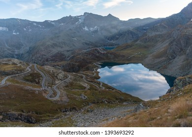 Scenic view of dam and lake, Colle del Nivolet, Piedmont, Italy