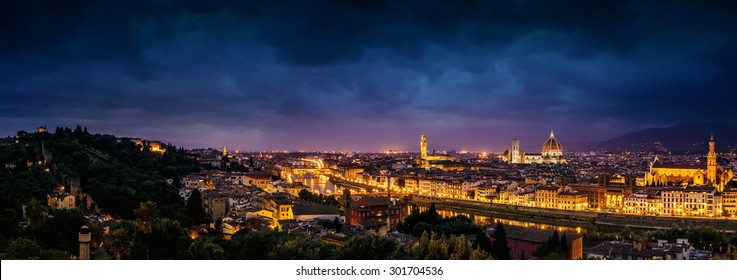 Scenic view of Florence at twilight from Piazzale Michelangelo (Tuscany, Italy)