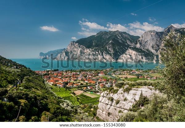 Scenic view of Garda Lake (Lago di Garda), Italy.