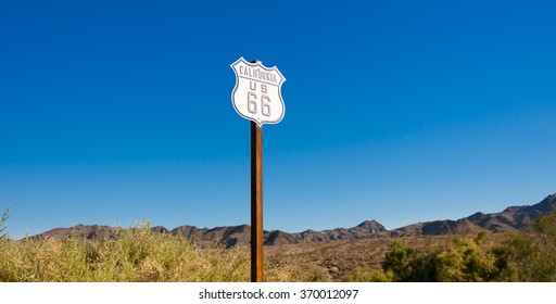Scenic view of historic Route 66 sign