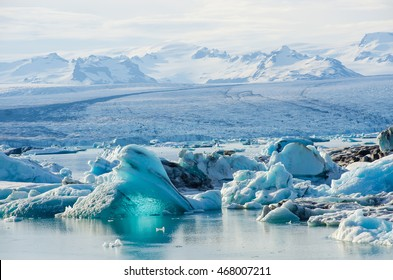 Scenic view of icebergs in Glacier Lagoon, Iceland.