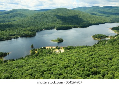Scenic view in Mont-Tremblant National Park (Parc national du Mont-Tremblant) La Diable sector, Quebec, Canada