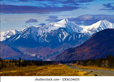 Scenic view on the drive from Whitehorse to Haines Junction, Yukon Territories, Canada.