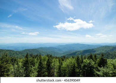 Scenic view of the Smoky mountain National Park during a perfect Summer day with clear blue sky