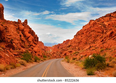 """Scenic views along the road through the State park """"Valley of Fire"""" in Nevada"""