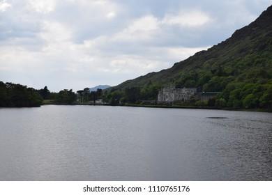 Scenic views near Kylemore Abbey - Connemara National Park