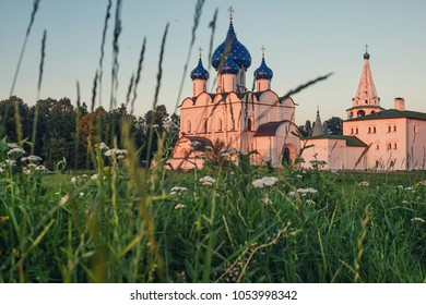 Scenic views of the Suzdal Kremlin at sunset.