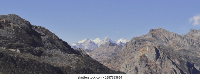 scenicview of snow capped himalaya mountains near bum la pass in tawang , arunachal pradesh, india