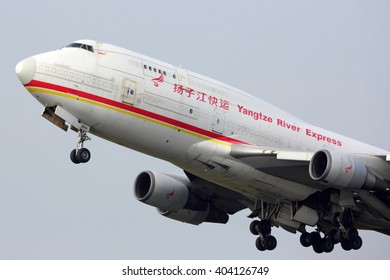 SCHIPHOL, AMSTERDAM, NETHERLANDS - APRIL 1, 2016: Boeing 747-481(BDSF) B-2435 of Yangtze River Express cargo airlines taking off at Schiphol international airport.