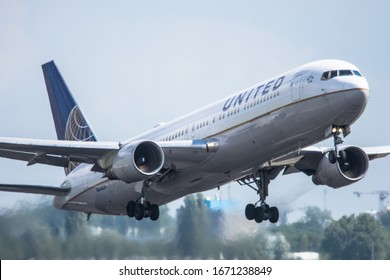 Schiphol, N-H/Netherlands – June 9-6-19- United Airlines Boeing 767-300 landing at Amsterdam Schiphol Airport after a long flight from Chicago, United States to Amsterdam
