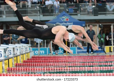 SCHOEMAN, SOUTH AFRICA â?? SEPTEMBER 06: Roland Schoeman of South Africa diving into the Delville Pool,prelims before the new world record in the 50m freestyle championship September 6, 2008