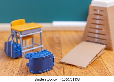 School bag and jump box(image of admission)